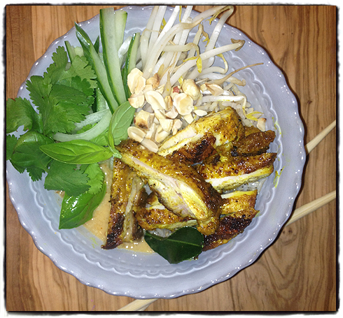 Gizzi Erskine's Thai chicken satay rice bowl - in the test ...