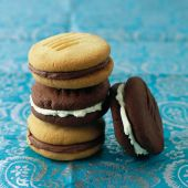 Chocolate and vanilla biscuit sandwiches