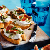 French goats' cheese fig and pesto crostini