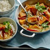 Thai red sweet potato, red pepper and coconut curry