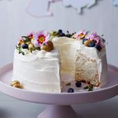 White cloud cake