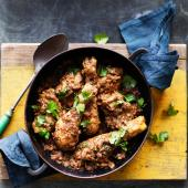 Black masala chicken curry