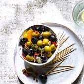 Aromatic warm olives