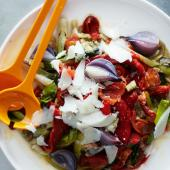 Grilled vegetable salad with Manchego