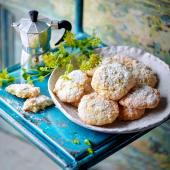 Soft lemon and almond cookies