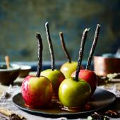 Spiced toffee apples