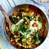 Fresh tomato, chickpea and spinach curry
