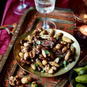 Salty, spicy honey nuts