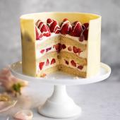 Strawberry, passion fruit & white chocolate cake