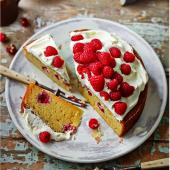 Raspberry Sauternes cake with Chantilly cream