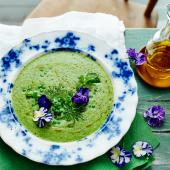 Chilled herb, pea and cucumber soup