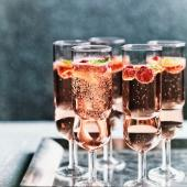 Rosé, raspberry & mint fizz