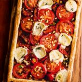 Tomato and goats' cheese tart