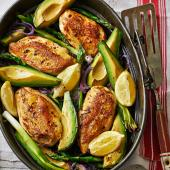 Oven-roasted chicken and avocado with asparagus