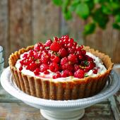 Pile-it-high raspberry and redcurrant cheesecake tart