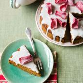 Carrot tea cake with vanilla icing