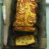 Nectarine and fennel seed loaf