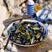 Cider and watercress mussels