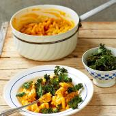 Vegan macaro-no-cheese with crispy kale