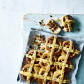 Hot cross bun swirls