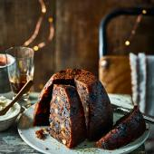 Slow cooker Christmas pudding with amaretto