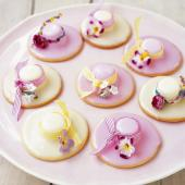 Easter bonnet biscuits