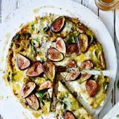 Fig, Gorgonzola and thyme frittata