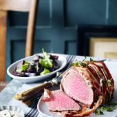 Fast roast beef with thyme beets and horseradish crème fraiche