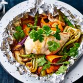 Aromatic oriental chicken parcels