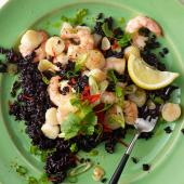 Fragrant scallops and prawns with black rice