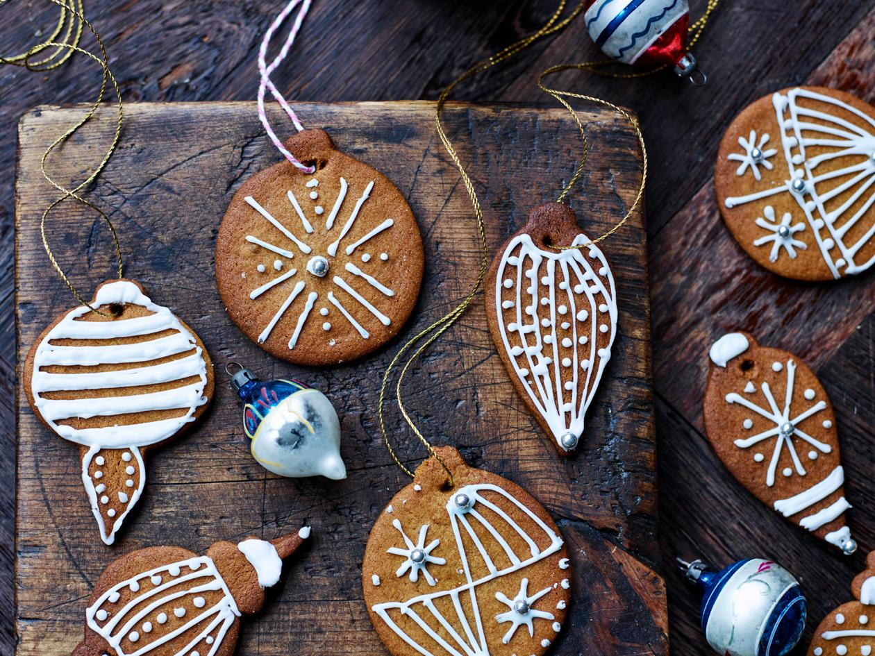 Edible Gingerbread Christmas Tree Decorations Sainsbury S Magazine