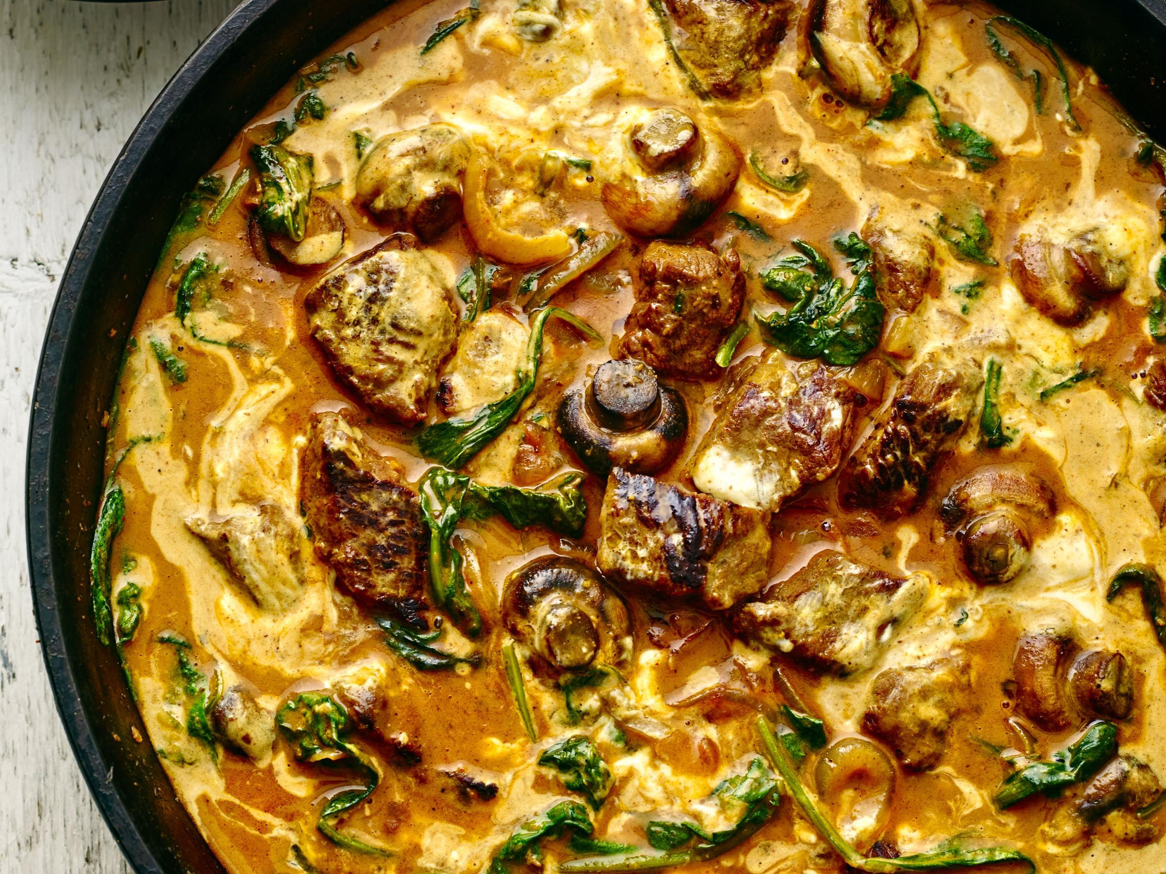 Light Lamb Mushroom And Spinach Korma