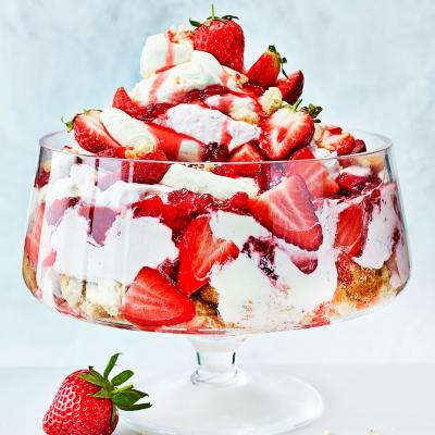 Strawberry cheesecake bowl