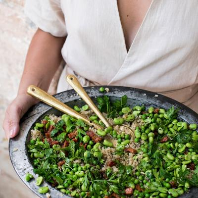 Quinoa salad with pancetta, broad beans and peas