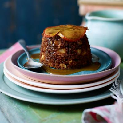 Gingerbread, apple and almond steamed puddings