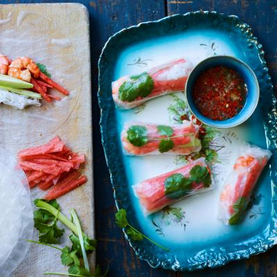 Fruity prawn summer rolls