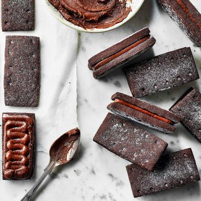 How to make Bourbon biscuits