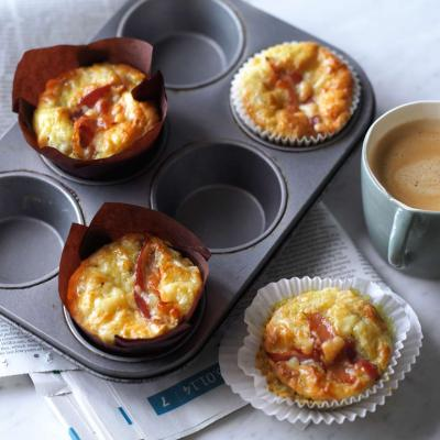 Pancetta, cheddar and tomato muffins
