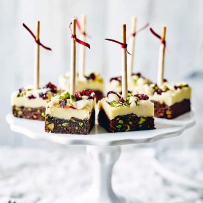 Macadamia, pistachio and cranberry chocolate bites