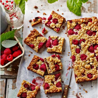 Chocolate, raspberry and roasted hazelnut oaties