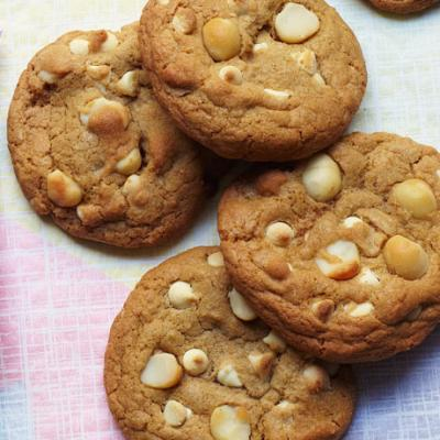 Brown butter, white chocolate and macadamia nut cookies