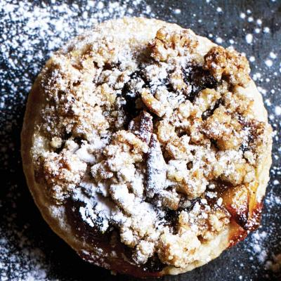 Whisky and pecan streusel mince pies