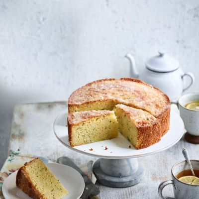 Elderflower and courgette cake
