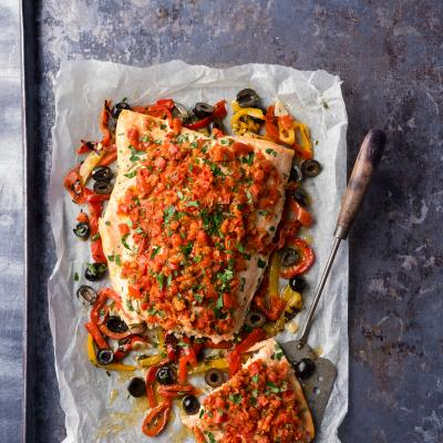 Tomato pesto and pepper salmon