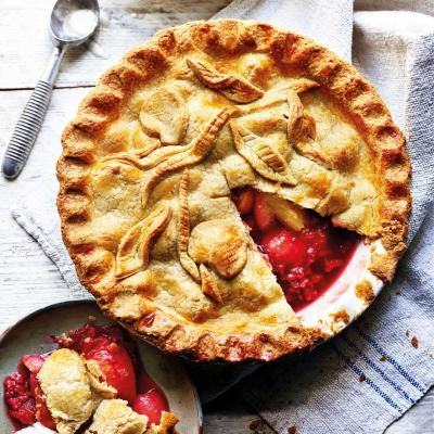 Nectarine and raspberry pie with brown sugar pastry