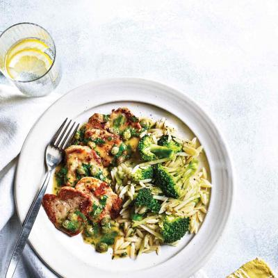 Italian-style pork with lemon & broccoli