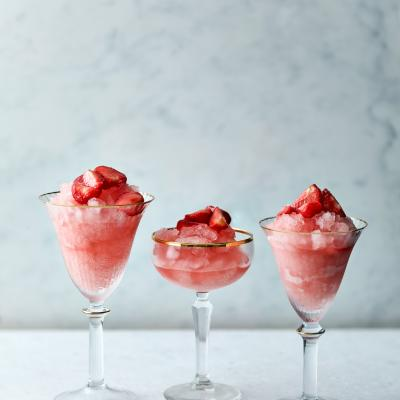 Strawberry frosé