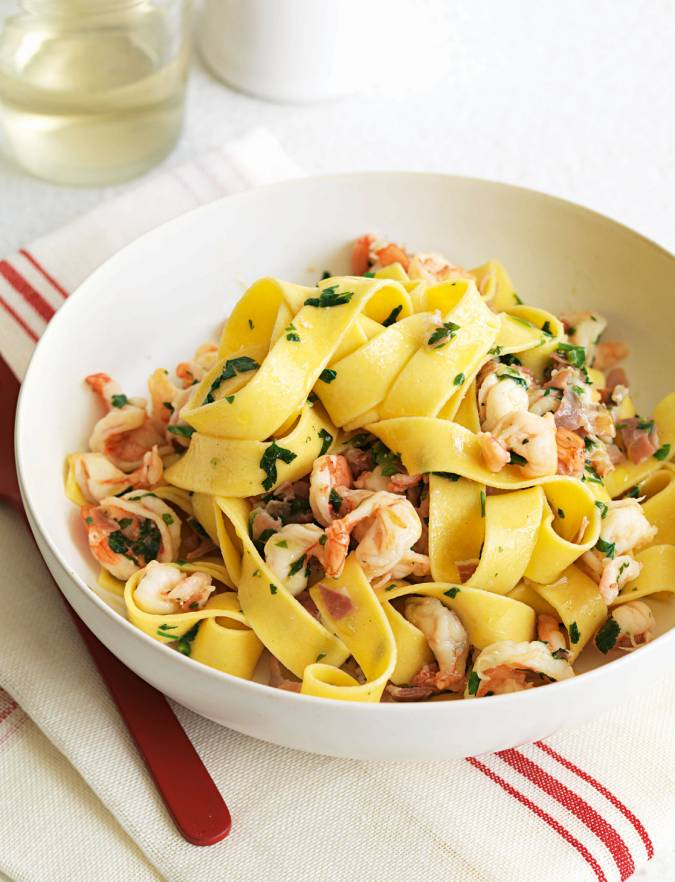 Recipe: Tagliatelle with prawns, Parma ham and parsley