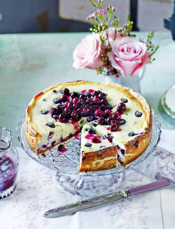 Recipe: Baked blueberry cheesecake with blueberry compote