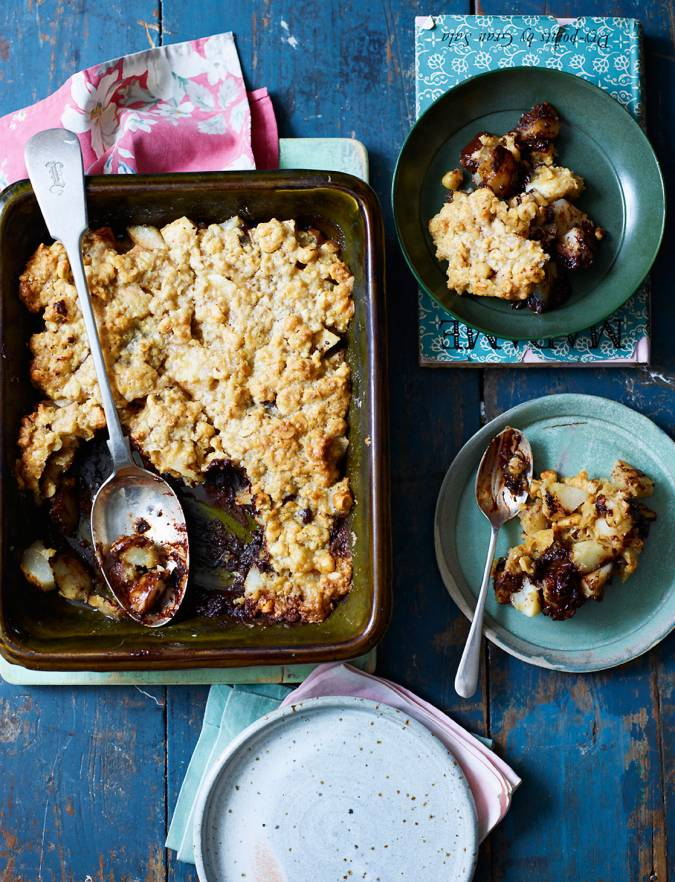 Recipe: Chocolate and pear flapjack crumble